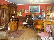 Antik mit Stil - Roter Raum