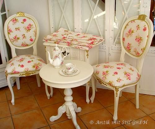 Gobelin-Stühle neu gepolstert und mit Rosenstoff bezogen